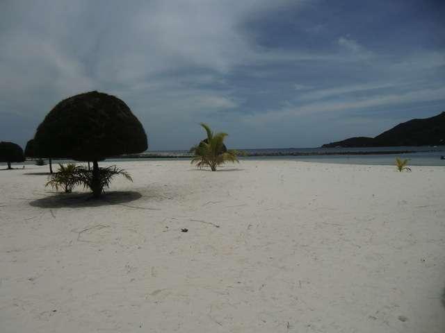 feinster weißer Sand, wie in der Karibik.....